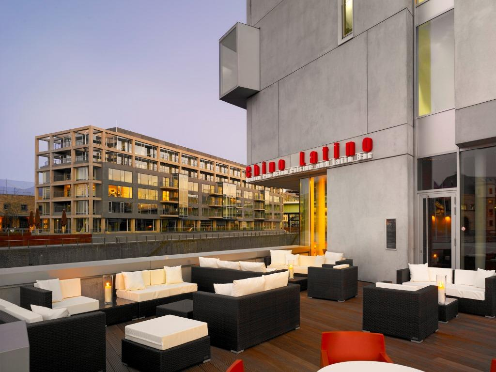 Das CHINO LATINO befindet sich im art'otel cologne im Kölner Rheinauhafen. - copyright: art'otel cologne, by Park Plaza