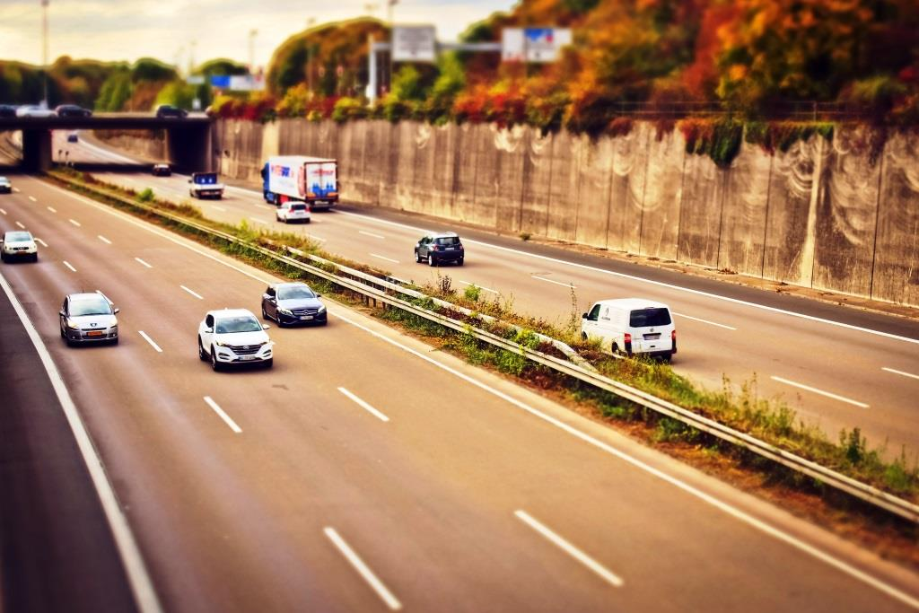 Alle inländischen Autobesitzer müssen eine Jahresmaut zahlen. - copyright: pixabay.com