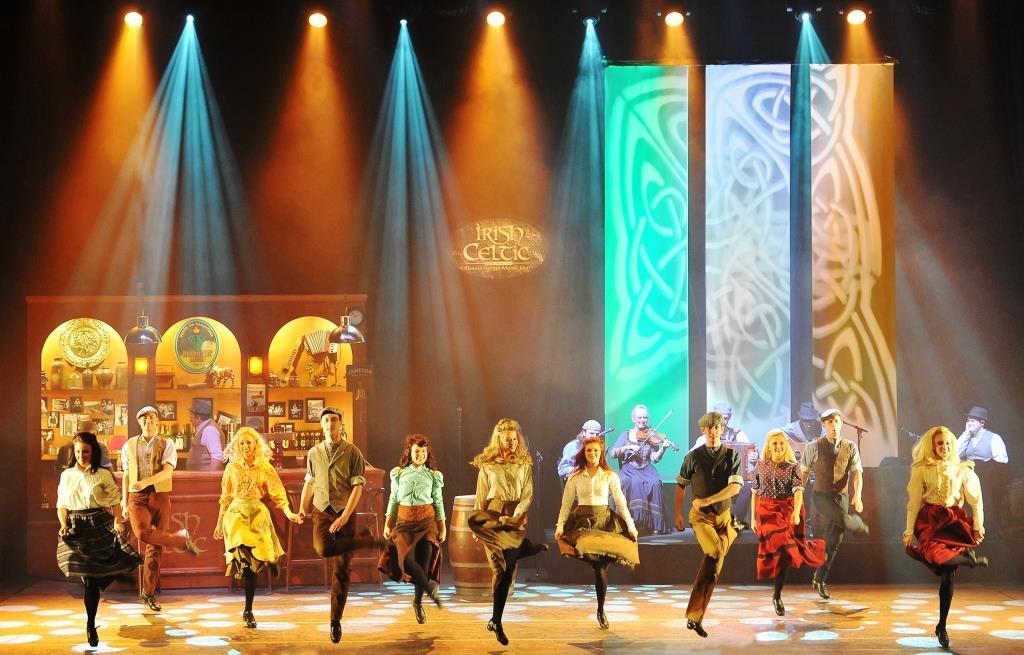 Irischer Tanz und Musik auf höchstem Niveau! - copyright: Philippe Fretault