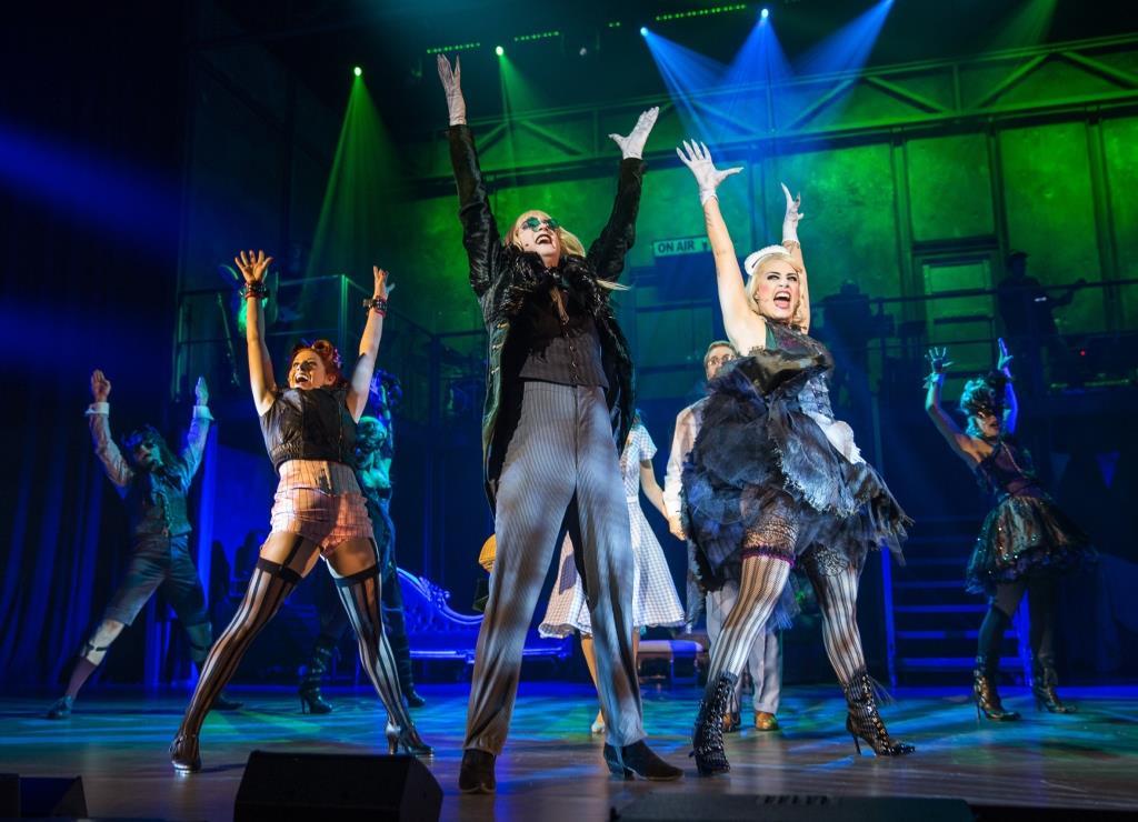 Rocky Horror schickt Köln bei der Premiere im Musical Dome in den Time Warp! - copyright: jens Hauer