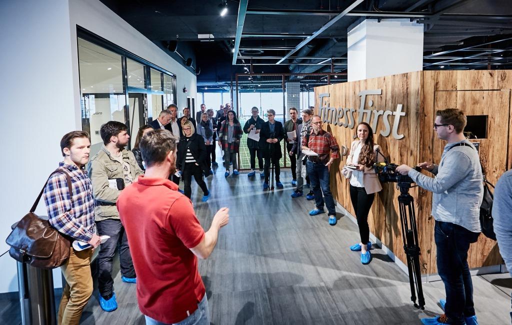 Großes Medieninteresse an der FIBO: Zur Fitness-Messe in Köln kamen zahlreiche Zeitungs-, Radio- und TV-Journalisten. - copyright: FIBO
