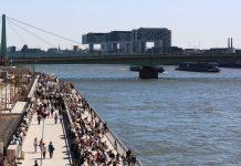 Komplett für Zuschauer gesperrt wird die 500 Meter lange Ufertreppe vom Kölner Rheinboulevard. - copyright: CityNEWS / Alex Weis