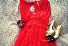 Ob glamourös, ob stylisch, verspielt oder einfach elegant: Das Abendkleid ist nach wie vor beliebt! - copyright: pixabay.com