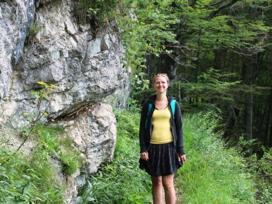 Als zertifizierte Kräuterpädagogin liebt es Tina Knauft, in der Natur unterwegs zu sein. - copyright: Michael Peter Spalek