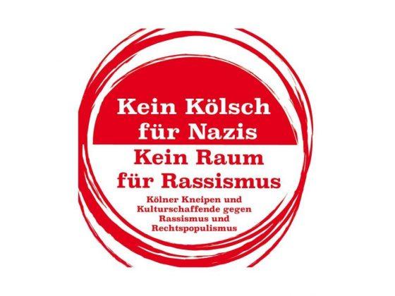 """Auch zahlreiche Kölner Gastronomiebetriebe beteiligen sich an den Protestaktionen und servierten das Kölsch in der letzten Zeit auf Bierdeckeln mit dem Spruch """"Kein Kölsch für Nazis"""". copyright: Kein Kölsch für Nazis - Kein Raum für Rassismus"""