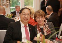 Oberbürgermeisterin Henriette Reker mit dem chinesischen Botschafter in der Bundesrepublik Deutschland, S.E. SHI Mingde - copyright: Tepass / Stadt Köln