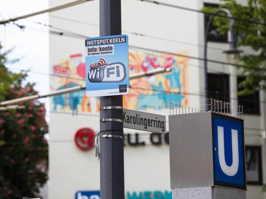Über die 60 neuen Access Points können Nutzer hier ab sofort auch auf der beliebten Geschäfts- und Ausgehmeile mit Highspeed surfen. - copyright: CitNEWS / Alex Weis