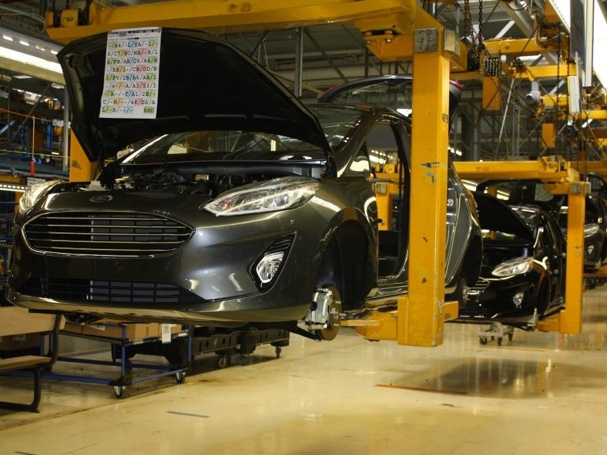 Wer möchte bei den Ford-Werken in Köln-Niehl Produktionsbereiche sehen, die anderntags ohne Mitarbeiterausweis tabu sind? - copyright: CityNEWS / Christian Esser