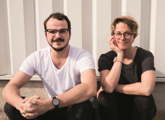 Sarah Grohé und Benjamin Sadler entdeckten eine Marktlücke im Bereich der grünen Mode. - copyright: erlich textil