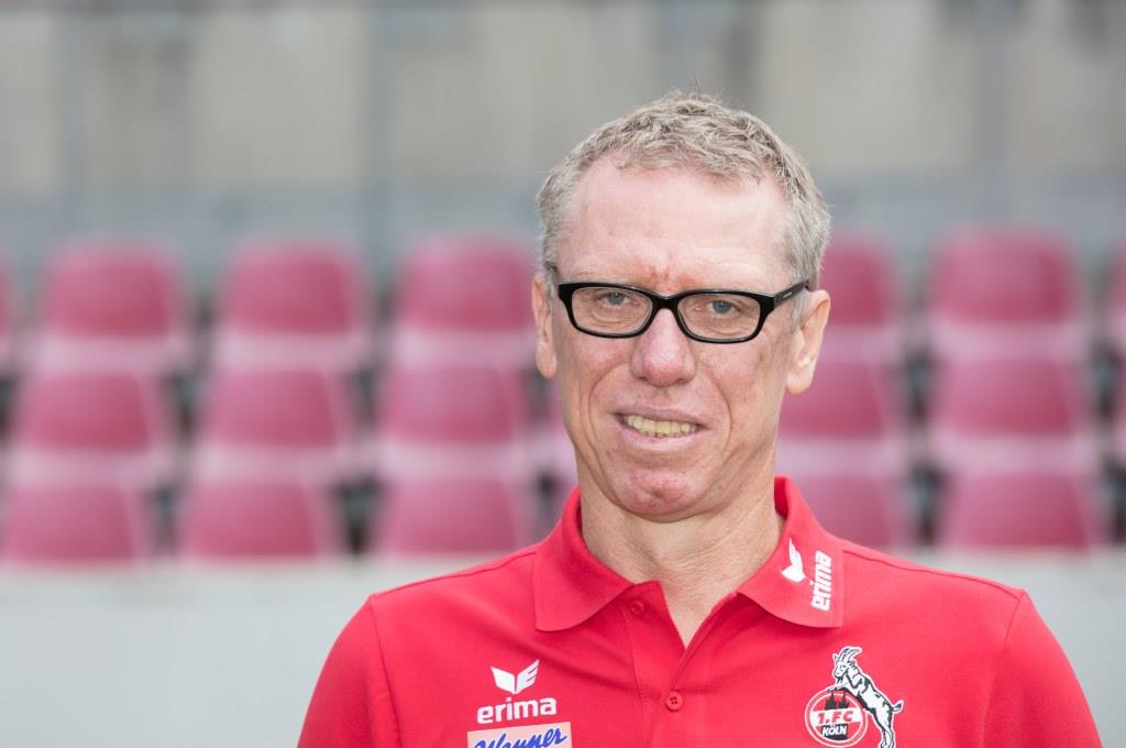 Trainer Peter Stöger ringt nach Erklärungen und Lippenbekenntnissen. copyright: CityNEWS / Alex Weis