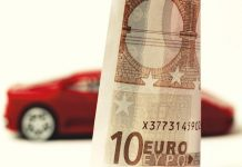 Auf der Suche nach der passenden Autoversicherung: Haftpflicht, Teil- oder Vollkasko? - copyright: pixabay.com