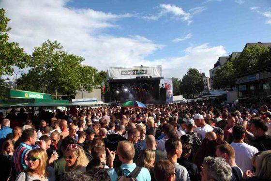CSD-Demo, Music NonStop, PolitBlock und Co. - copyright: ColognePride / Viktor Vahlefeld & Volker Glasow