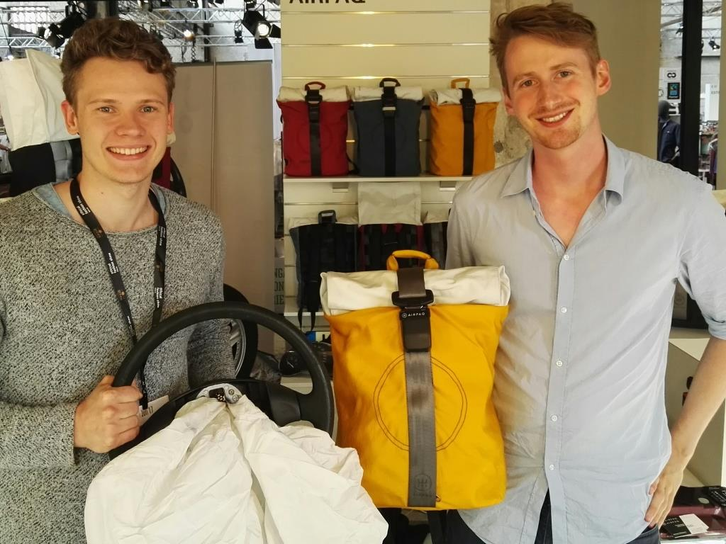 Adrian Goosses aus Köln und Michael Widmann aus Südtirol, sind die zwei stolzen Gründer der Airpaq UG. - copyright: Airpaq