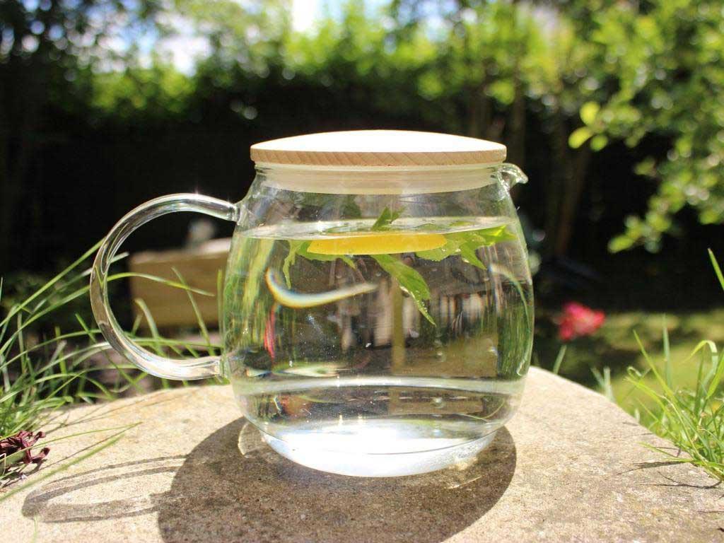 """Wasser lässt sich mit wenigen Zutaten """"pimpen"""". copyright: pixabay.com"""