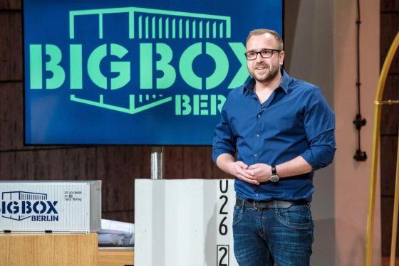 """Steffen Tröger aus Berlin präsentiert mit """"BigBoxBerlin"""" die Möglichkeiten von umgebauten Seecontainern. Er erhofft sich ein Investment von 300.000 Euro für 10 Prozent seines Unternehmens. - Foto: MG RTL D / Bernd-Michael Maurer"""