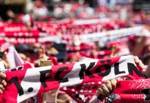 1. FC Köln: Auch in der 2. Bundesliga stonn Fans und Profis zum Effzeh! copyright: CityNEWS / Alex Weis