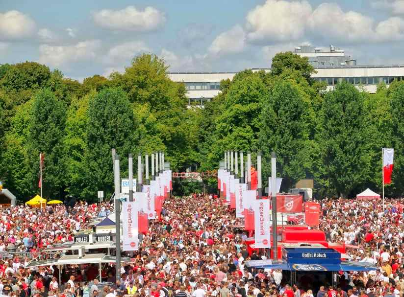 Rund 50.000 Fans kamen zur Saisoneröffnung 2017 des 1. FC Köln. Hier unsere große Foto-Galerie! - copyright: CityNEWS