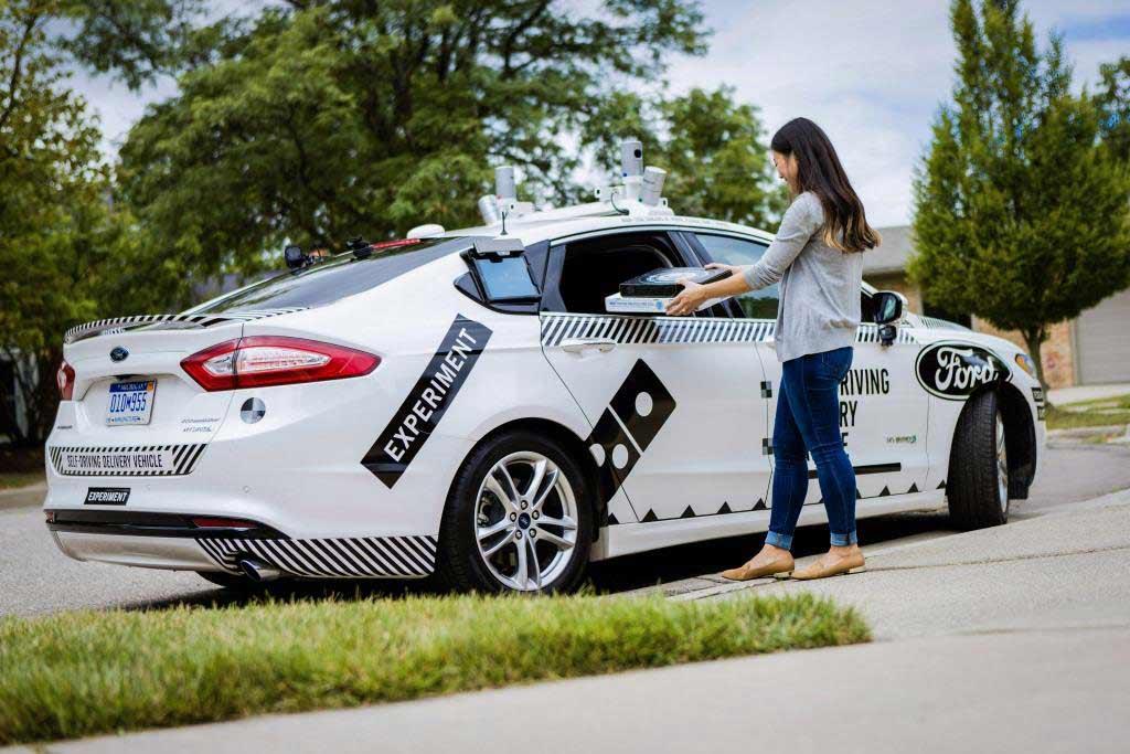 Ford und Domino's erproben erstmals die Pizza-Auslieferung in autonom fahrenden Autos - copyright: obs / Ford-Werke GmbH