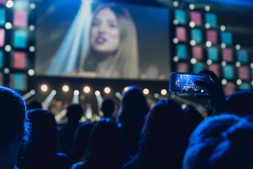 Vom 24. bis 25. August 2017 treffen sich in der Domstadt über 300 YouTube- Stars und 15.000 Fans. - copyright: VideoDays / Divimove