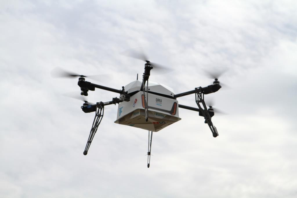 Pizza aus der Luft per Drohne copyright: Domino's Pizza Enterprises Limited