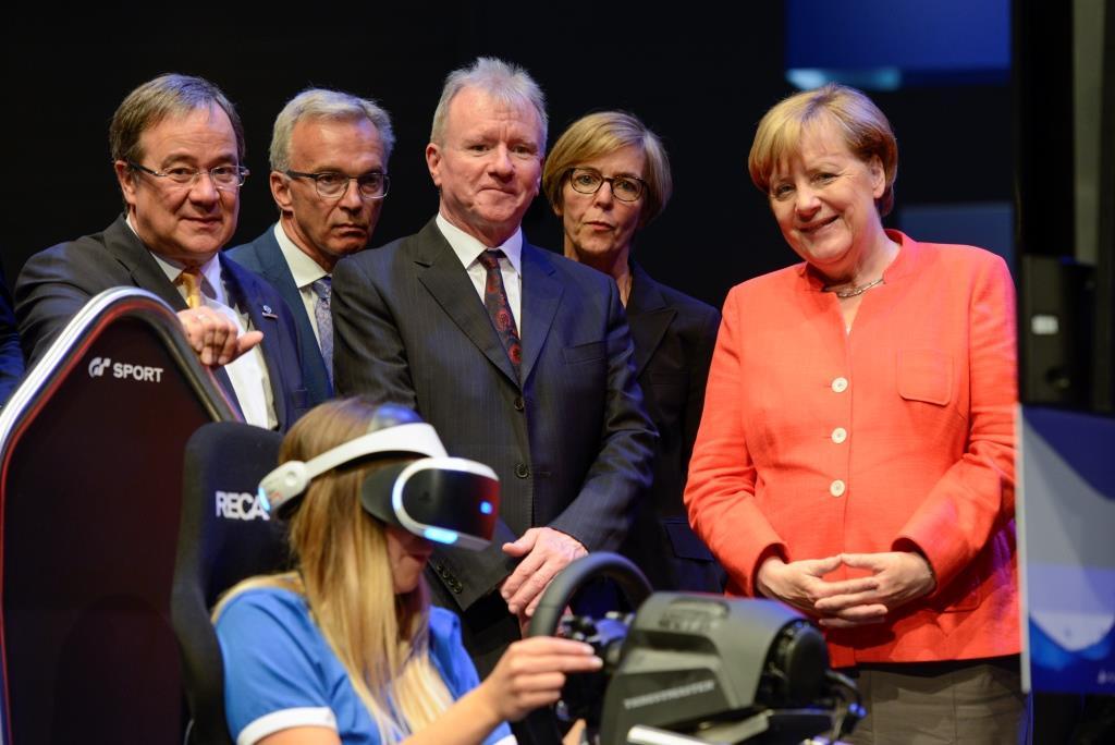 gamescom Eröffnung 2017, Rundgang mit Bundeskanzlerin Angela Merkel - copyright: Koelnmesse GmbH, Uwe Weiser