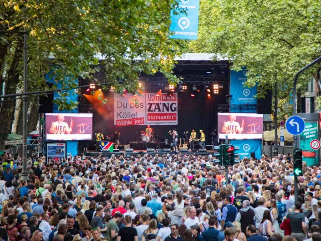 gamescom city festival 2017 in Köln: Tausende Besucher feiern bei strahlendem Sonnenschein - copyright: CityNEWS