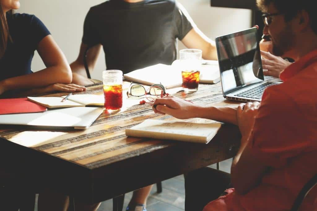 StartUp-Unternehmen müssen auf eine stabile Internetverbindung zurückgreifen können - copyright: pixabay.com