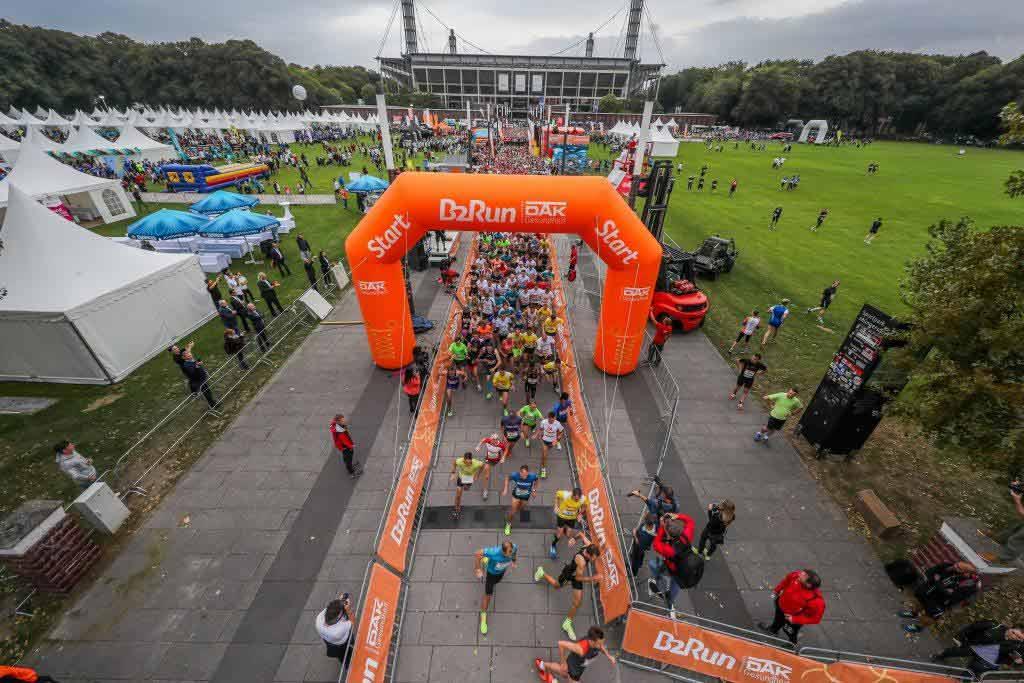 Teilnehmerrekord beim B2Run 2017 in Köln: 23.000 Laufbegeisterte am RheinEnergieSTADION - copyright: Infront B2Run GmbH