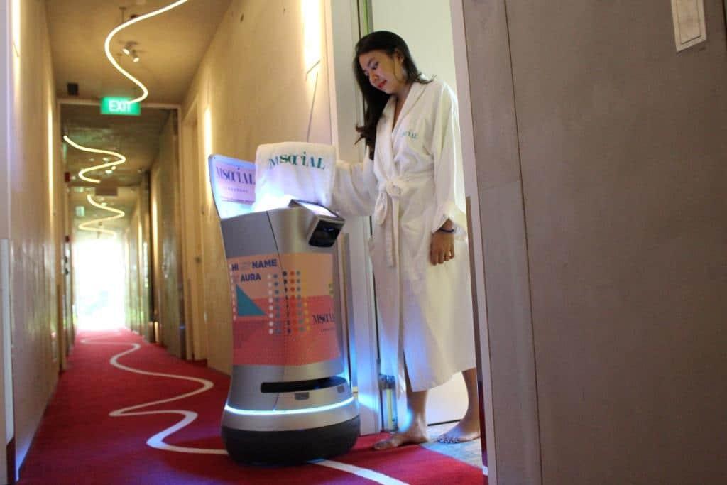 Tourismus der Zukunft: Die Top 7 der Roboter im Hotel-Einsatz - copyright: Millenium Hotels and Resorts