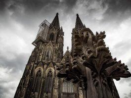 Köln reagiert entsetzt und solidarisch über Brand von Notre Dame in Paris copyright: CityNEWS / Alex Weis