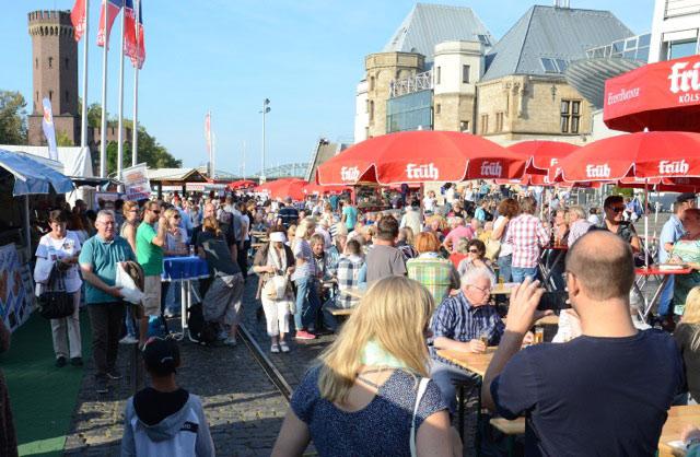 Muschelfest im Kölner Rheinauhafen: Maritimer Genuss am Schokoladenmuseum - copyright: Gritt Ockert, Nieke Veranstaltungen