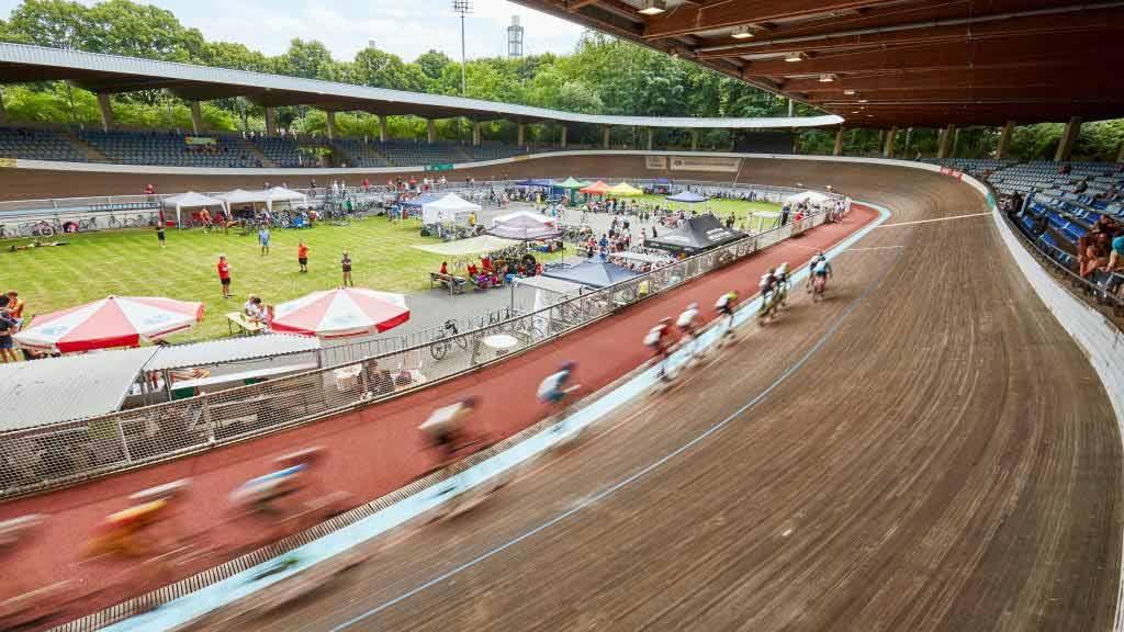 Radstadion Köln – im Geschwindigkeitsrausch - copyright: Kölner Sportstätten GmbH