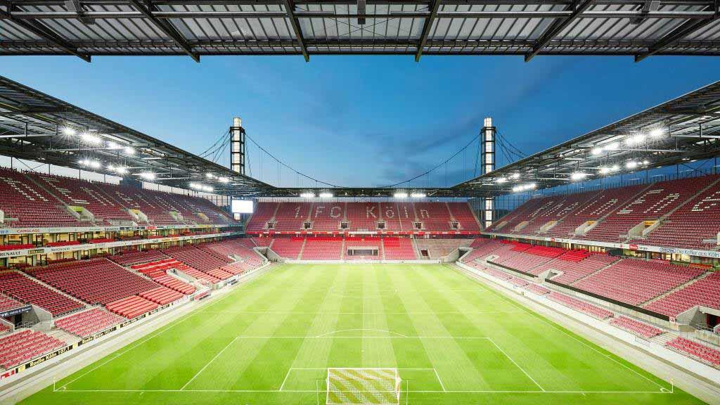 Das RheinEnergieStadion wird zum großen Weihnachts-Chor - copyright: Kölner Sportstätten GmbH