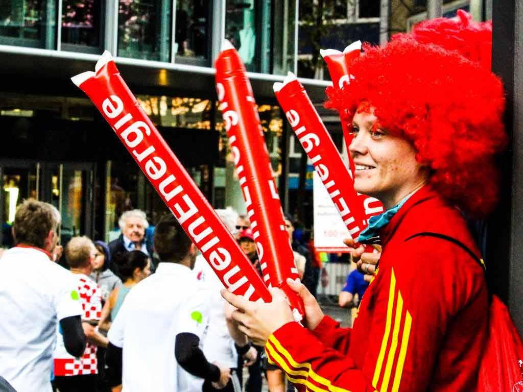 Der Kölner Rudolfplatz wird zum Hotspot beim Marathon. - copyright: Manuel Werners / Köln Marathon