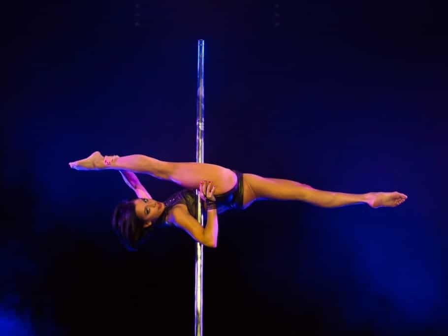 Sheila Nicolodi - DANCE POLE - copyright: Alexander Dacos