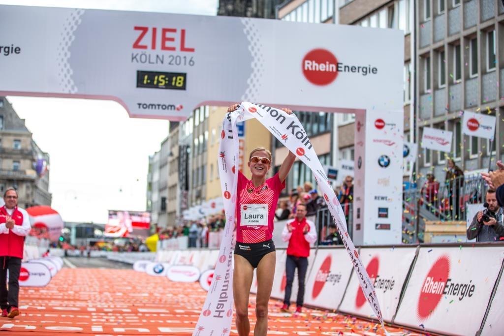 Zielbereich auf der Komödienstraße am Kölner Dom - copyright: Philipp Cielen / Köln Marathon