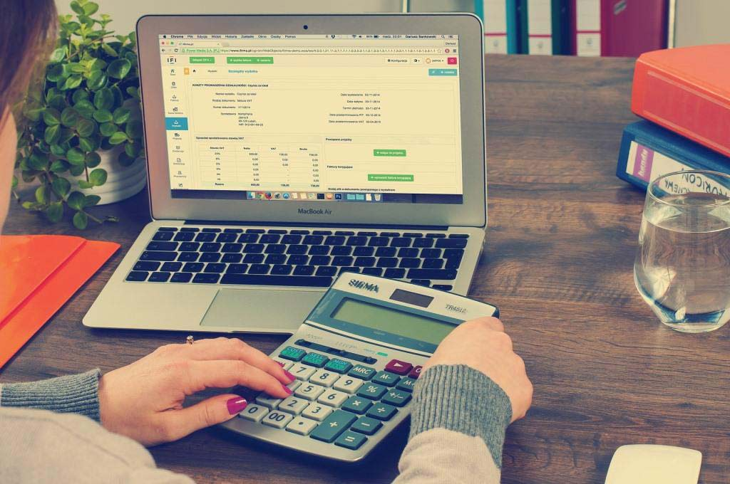 Die Steuererklärung mit Steuersoftware selber machen - copyright: pixabay.com