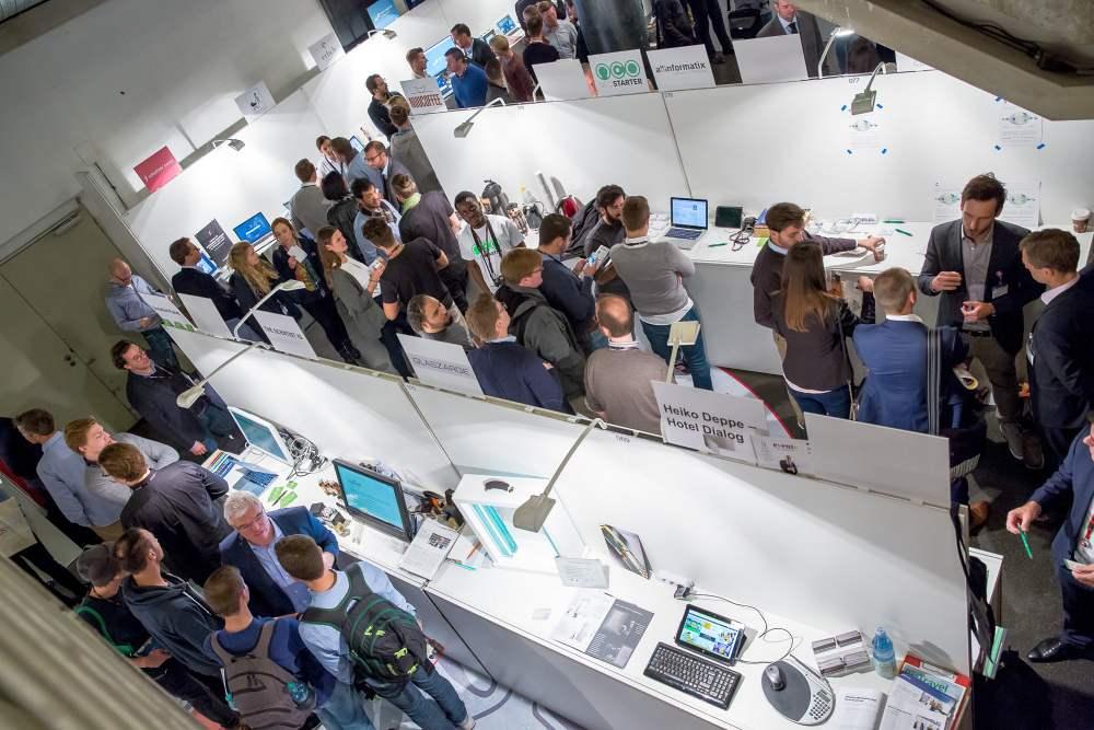 Die StartupExpo findet zum dritten Mal im Rahmen der StartupCon statt. - copyright: StartupCon