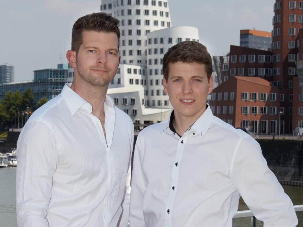 Die beiden Cognigy-Gründer Philipp Heltewig (links) und Sascha Poggemann (rechts)