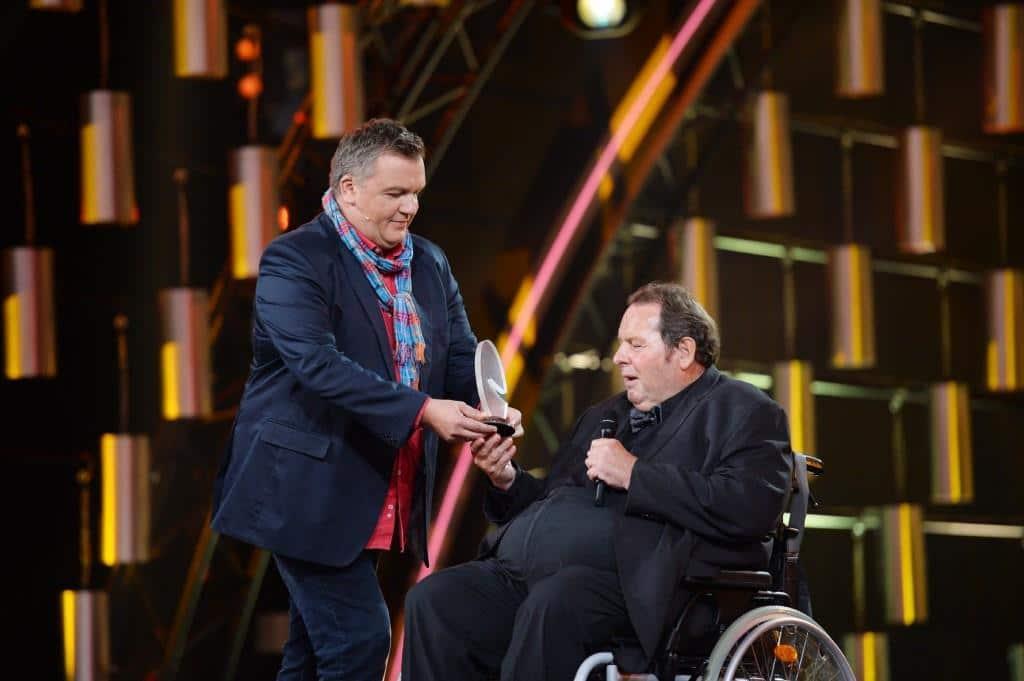 Ehrenpreisträger Ottfried Fischer (r.) mit Laudator Hape Kerkeling Foto: MG RTL D / Willi Weber