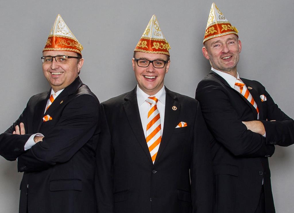 """Die """"Appelsinefunke"""" stellen das designierte Kölner Dreigestirn 2018 und """"danze us der Reih"""" - copyright: Festkomitee Kölner Karneval"""