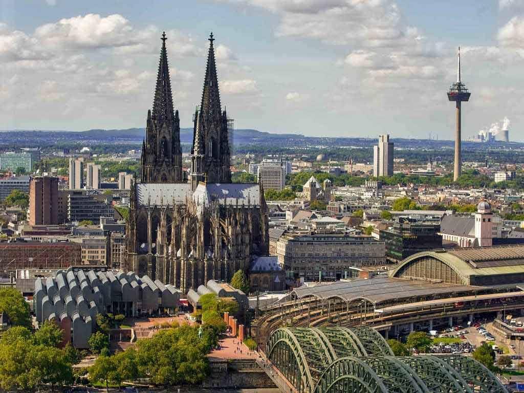 Der spektakuläre 360-Grad-Ausblick auf die Domstadt sorgt für immer wieder neue Blickwinkel. copyright: CityNEWS / Alex Weis