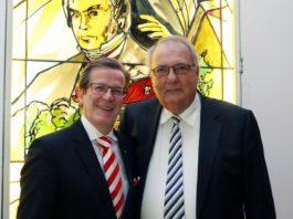 Festkomitee-Präsident Christoph Kuckelkorn (links) und Peter Griesemann (rechts) copyright: J. Rieger, Köln / Festkomitee Kölner Karneval