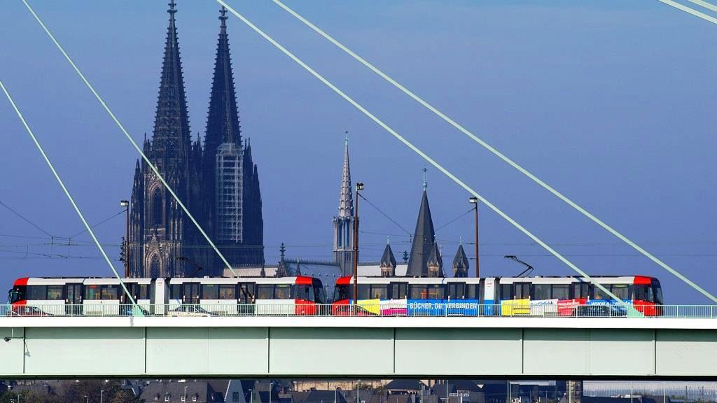 Anreise zum Auftakt des Kölner Karneval am 11.11. copyright: Kölner Verkehrs Betriebe
