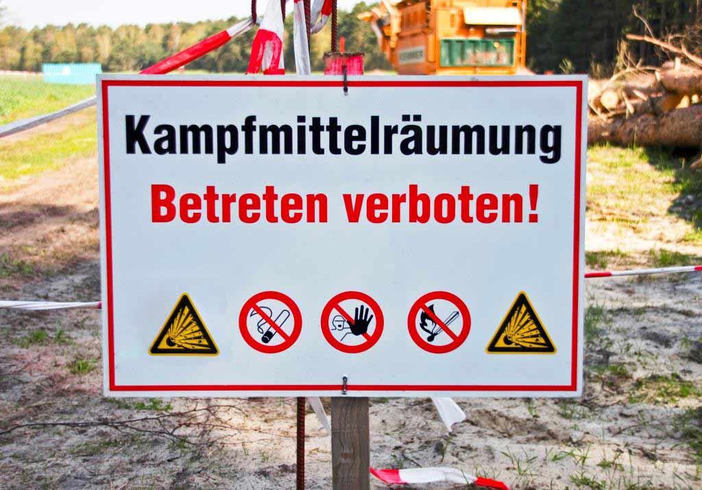 Weltkriegsbombe wird am Rheinufer gesprengt copyright: pixelio.de / Thorben Wengert