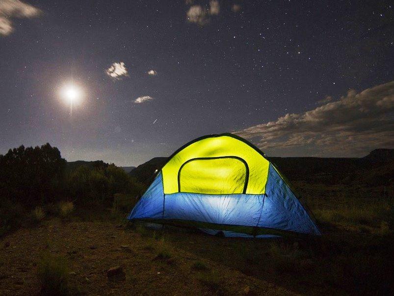 Der Trend scheint hin zu individuelleren Unterkünften zu gehen. So stieg die Zahl der Übernachtungen auf Campingplätzen mit Abstand am stärksten. copyright: pixabay.com