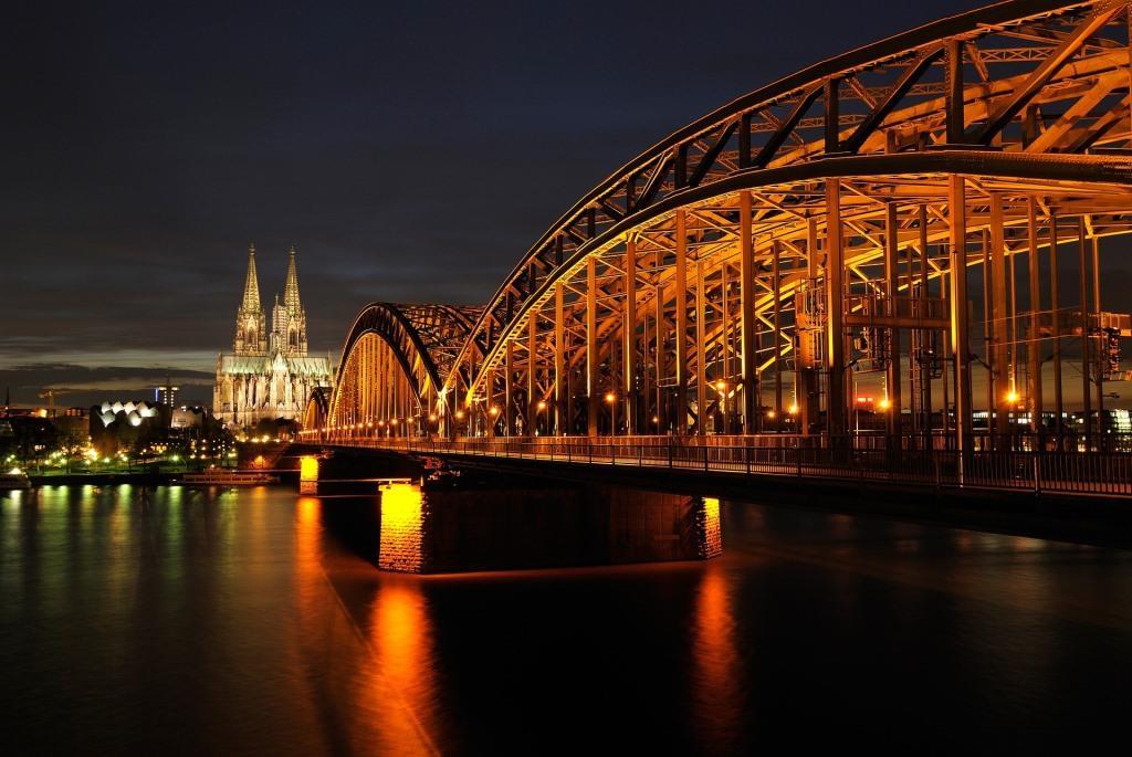 Meilenstein erreicht: CityNEWS hat über 30.000 Fans bei Facebook! copyright: pixabay.com