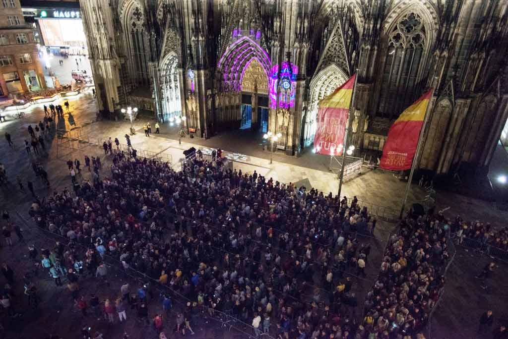 """Rund 50.000 Besucher kamen zu """"SilentMOD"""" in den Kölner Dom copyright: Koelnmesse GmbH, Oliver Wachenfeld"""
