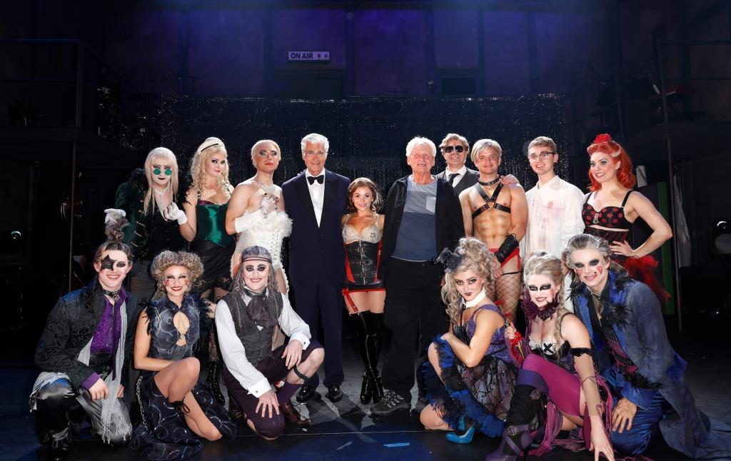 Rocky Horror Show Schickt Köln Bei Musical Premiere In Den Time Warp