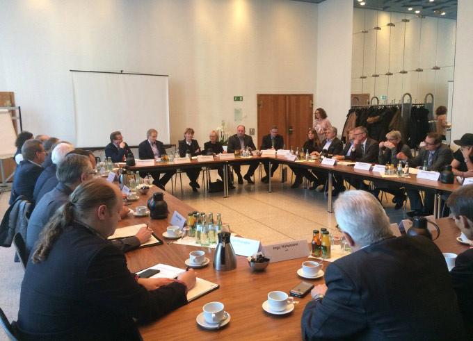 Insgesamt 35 Vertreter nahmen an dem Runden Tisch zum Straßenkarneval teil. copyright: Stadt Köln
